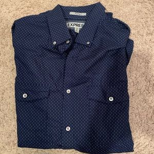 Express Fitted 2 Pocket Button Down Shirt